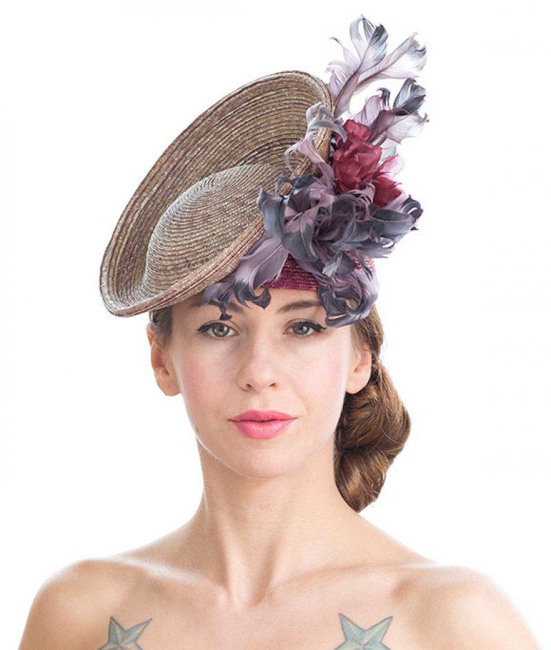 sombrero tocado plumas evento